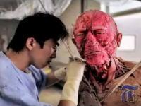 中国の気味の悪い新たな産業 死体を保存する人体製造工場への取材