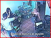 男女関係のもつれから女性を射殺する監視カメラの衝撃映像