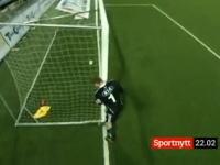 【サッカー】ゴールポストを動かしてゴールの幅を狭くするせこすぎるキーパー