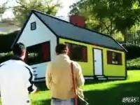 凹だけど凸に見える目の錯覚ハウスが登場 通行人びっくりイリュージョン