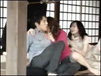 エイッエイッ動画 座禅中、発情した女に男が襲われているイミフ動画
