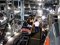 これはレア映像。ディズニーランドのスペースマウンテンの内部映像。WDW
