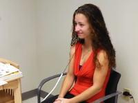 2歳半の時に聴力を失い。聴覚障害者として生きてきた女性が初めて旦那さんの声を聞く。