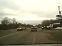 速度差(((゚Д゚)))50km/hで流れている道で後ろから160km/h近いヤツが突っ込んでキタ