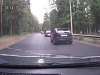音楽と良いタイミングで事故を起こしたドライブレコーダー。酷いけどwww