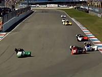 サイドカーレースで死亡事故。落ちたパッセンジャーが後続車に轢かれてしまう。