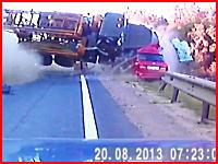 追い越しに失敗した対向車のせいで関係ないドライバーが殺されてしまう事故