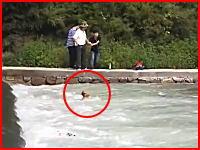 溺れた人を助けようと川に飛び込んだ男性が溺れ死んでしまうまでの一部始終を記録した映像。