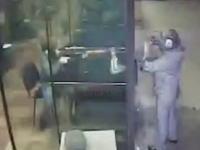 射撃場で12歳の少年が誤って人を射殺。その瞬間の映像がアップロードされる。