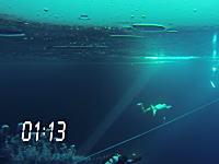 グリーンランドの氷の下を息継ぎなしで76.2メートル泳ぎギネス記録達成。動画。