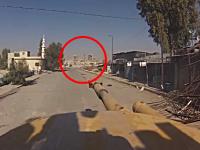 主砲ドーン!自走砲で邪魔なビルディングを破壊する車載映像。シリア動画。