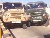 声に出して笑った渋滞映像。詰まりっぷりがネタかよお前らwww少しは譲れwww