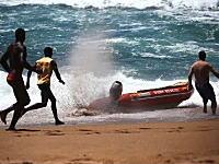 ボートから乗員が投げ出され無人ボートがフルスロットル状態で危ない(@_@;)