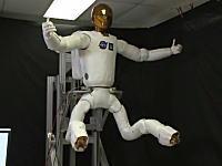 NASAが開発中の人型ロボットの動きがキモイ。足の動きが絶対人じゃない。