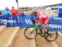 うめえ!オフロードの自転車競技で階段の上り方がとんでもなく上手いヤツがいた。