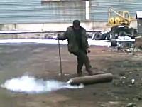 乱暴な高圧ボンベのガス抜き作業。どうなった?www飛んでった?www