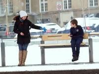 あなたは寒さに凍える子供を目の前にした時ジャケットを与える事ができるだろうか?