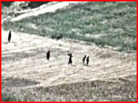 軍事動画。逃げ出す4人のターリバーンにヘルファイアミサイルが命中する瞬間。