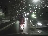 今日の撮影車がDQNドラレコ。東大阪で原付の兄ちゃんかわいそうすぎる動画