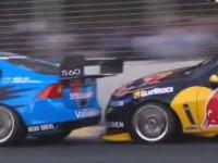 これがレーシングだ。ファイナルラップの争いが熱すぎるV8スーパーカー動画
