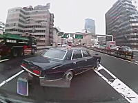 首都高でセンチュリーに道を譲ってあげたらサンキュー事故になってしまった車載