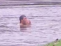 ゴルフで珍事。マレーシア・オープンでスズメバチに襲われたゴルファーが池に飛び込み助かる