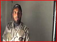 シリア動画。インタビューの最中にスナイパーからの狙撃で射殺されてしまう男性。