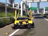 スーパーランボルミーティング。大黒PAで黄色のディアブロが派手にやっちゃう動画