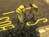 道路に直接描かれている道路標示はこうして作られている動画。1000mg小ネタ集
