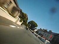 すっ飛んで行く景色。マン島TTライダーのフルラップ映像がガチでハンパない。