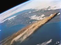 宇宙から撮影された火山の大噴火による噴煙の画像(4095×4076)が話題に。