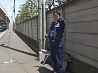 警察って大変なお仕事だな。速度取締り中の警官にカメラを向けて取材を試みるうp主