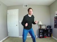 毎日家を出る前にダンスした動画。100日間分のボクのファッションと共に。