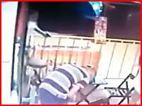 17歳の少年の犯行。家族の目の前で頭を撃ちぬかれて殺されたお父さんの映像。