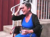 素敵ビデオ。末期がんと診断されたママンの誕生日にサプライズプレゼント。