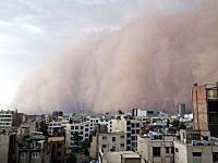 5人の命を奪った巨大砂嵐の映像。闇に包まれて時速112kmの砂粒がーっ!