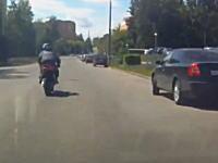 爆加速してったバイクが少し先で死んでた(´・_・`)