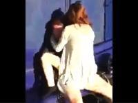 バス停で青姦しようとしていたカップルが撮影され虐められるwwwwwww
