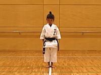 7歳の女の子の空手「型」松濤館流「観空大」が大迫力だと海外で人気に。