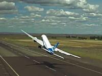 ボーイング787の運動性能。打ち上げ離陸、急旋回、タッチアンドゴーからの旋回上昇