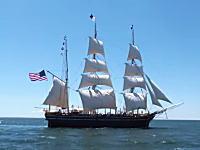 現在に残る米国最古の捕鯨帆船チャールズ・W・モーガン号のメインマストに登ってみた