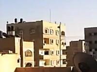 生音。ガザ地区の建物にミサイルが撃ち込まれる瞬間。最上階が吹き飛んだ(@_@;)