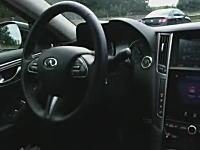 最近の車は高速道路を走行中に運転席を離れても自動で走る事ができる。こりゃ未来だわ。