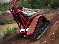 オフロード走行用に開発されたガンタンク型の車イスがカッコ良くて楽しそう