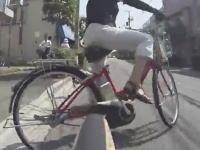 チャリ車載。「痛っごめん。ごめんねぇ」自転車同士の交通事故の瞬間。