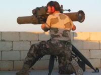 誘導ミサイルってこんな動きするんだ。民兵がアサド軍のT-55(戦車)を破壊する映像
