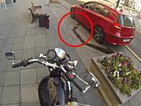 ポイ捨てを許さない隊のバイクのお姉さんが強すぎる動画。これはGJwwwww
