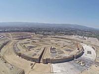 でかっ!Appleの新社屋「Apple Campus 2」の建設現場を空撮したビデオ。