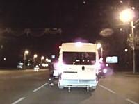 さすがにネタじゃないの?と思ったらロシアの交通トラブル動画(ドライブレコーダー)