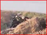 イラク軍と戦っていたイスラム国の兵士が空爆される瞬間。木端微塵だろな。